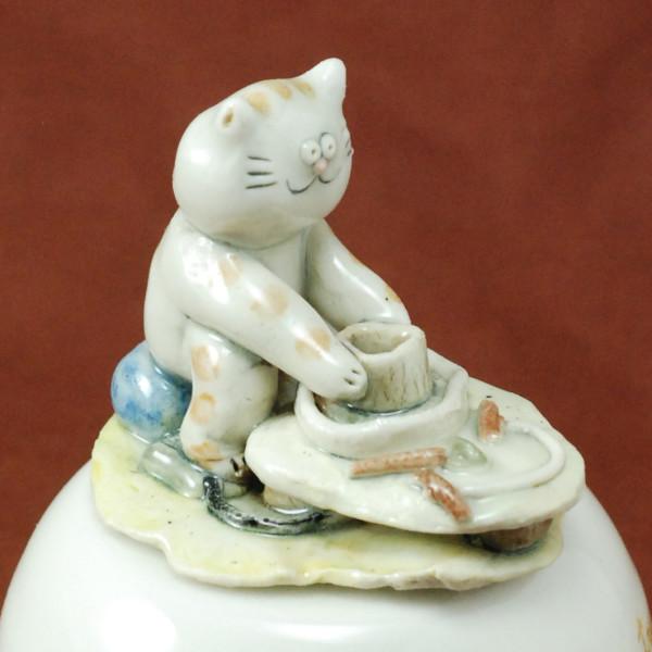 Music Box ~ Life's treasure at our fingertips ~ Cat