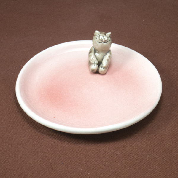 Small Plate ~ Pink ~ Cat
